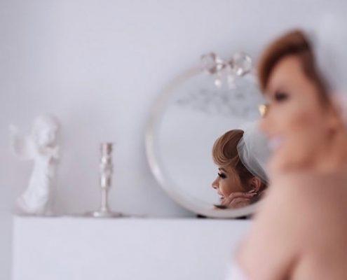 اصول انتخاب مدل آینه و شمعدان عروس